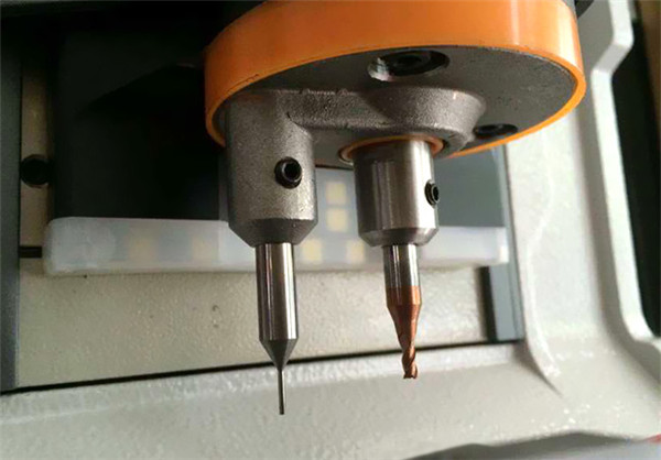 ikeycutter-condor-xc-mini-master-series-automatic-key-cutting-machine-4